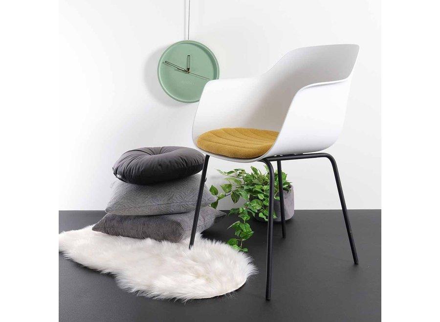 Atrani Blanche avec accoudoir | Pieds noirs - Coussin de siège en différentes couleurs