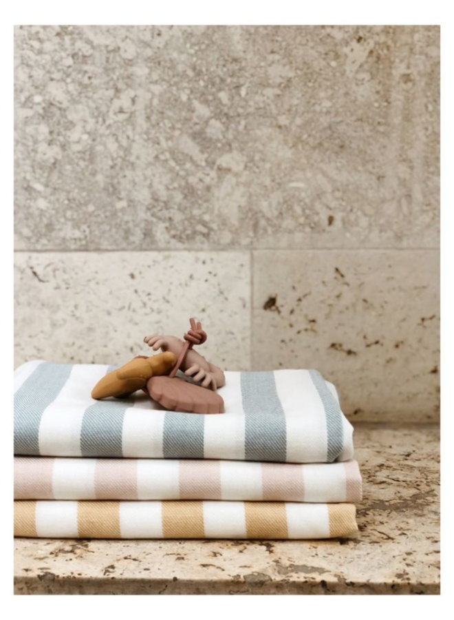Liewood Mona beach towel sorbet rose