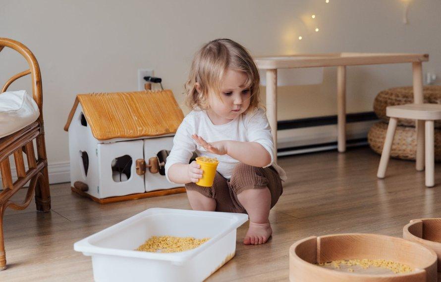 Kinderen leren opruimen
