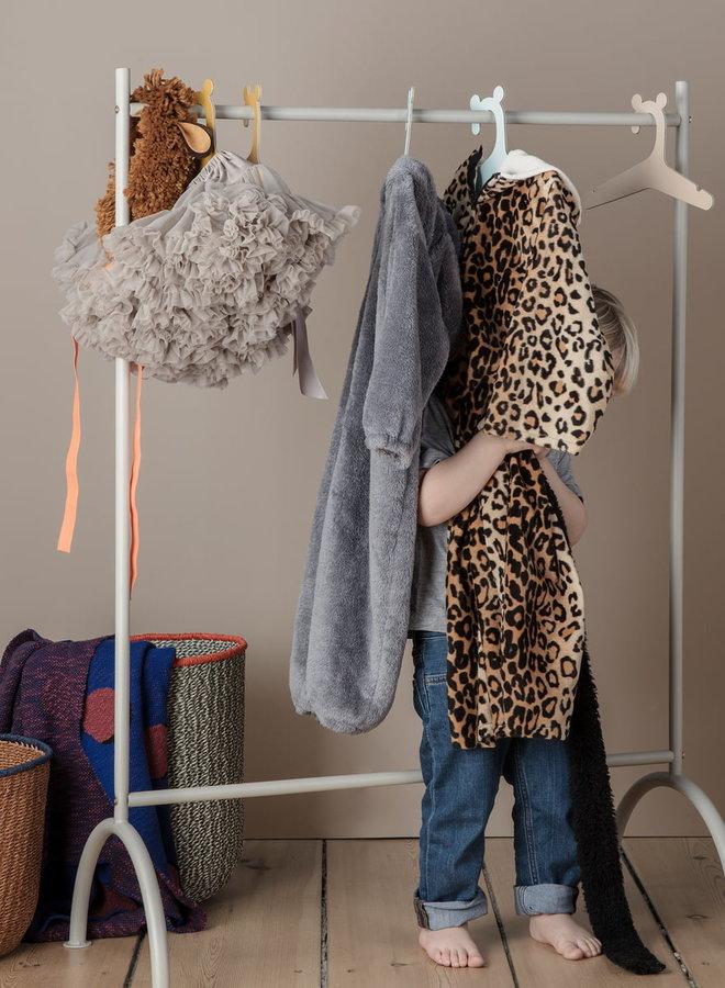 Ferm Living kledingrek grijs