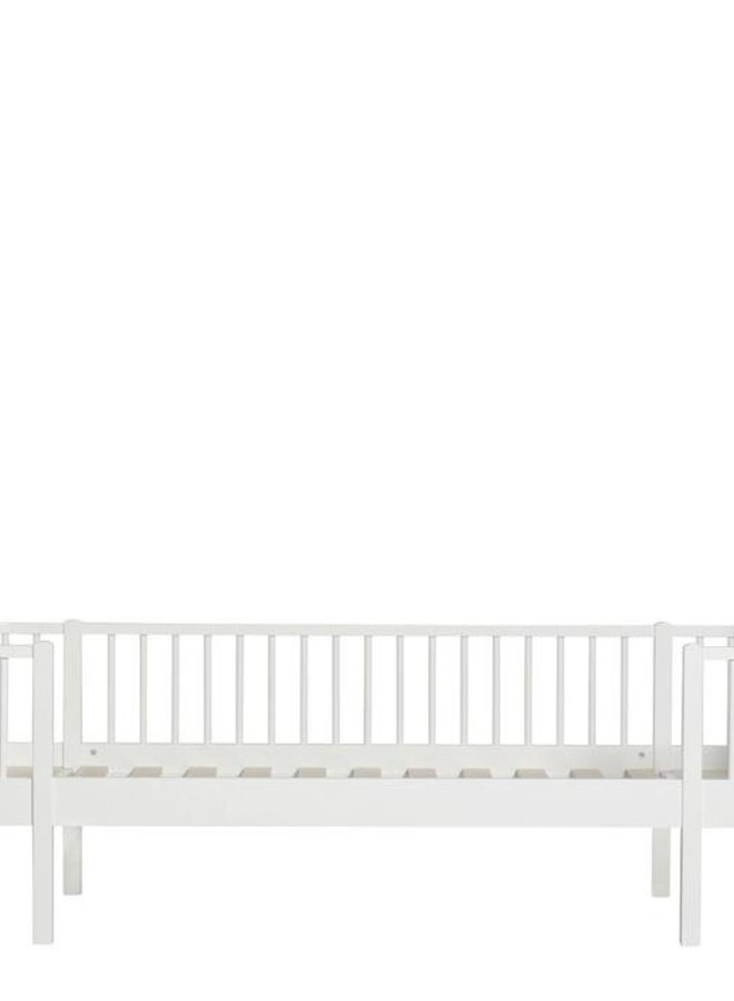 Oliver Furniture Wood original daybed white
