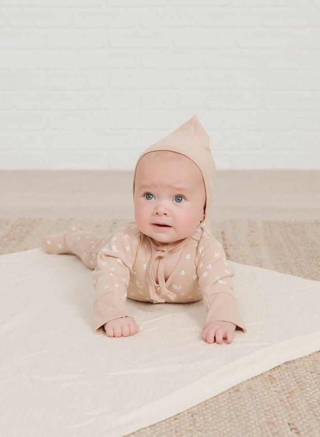 Quincy Mae- pixie bonnet petal