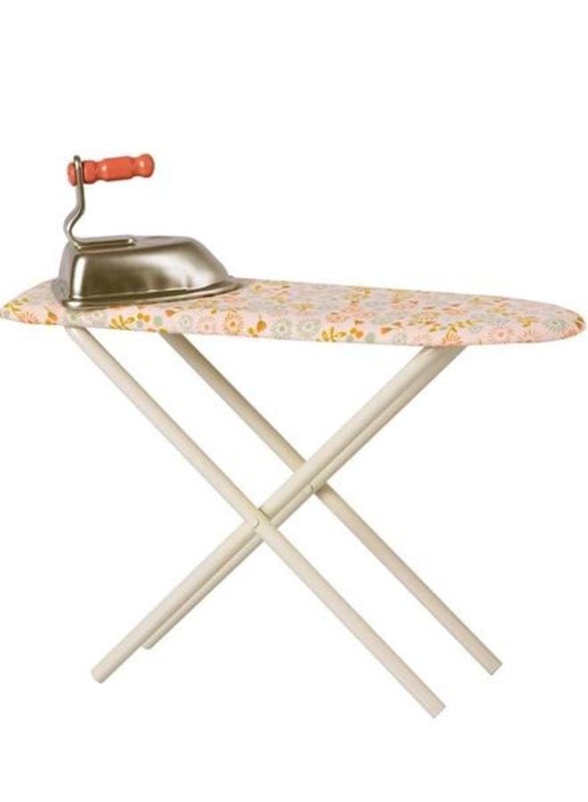 Maileg - Iron & ironing board