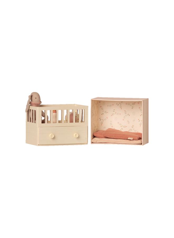 Maileg - Baby room with micro bunny