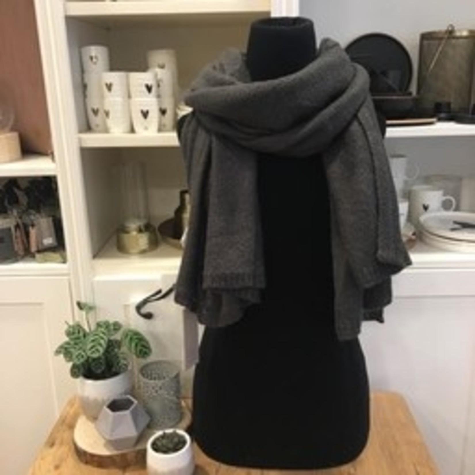 Warme gebreide sjaal - grafiet - Zusss