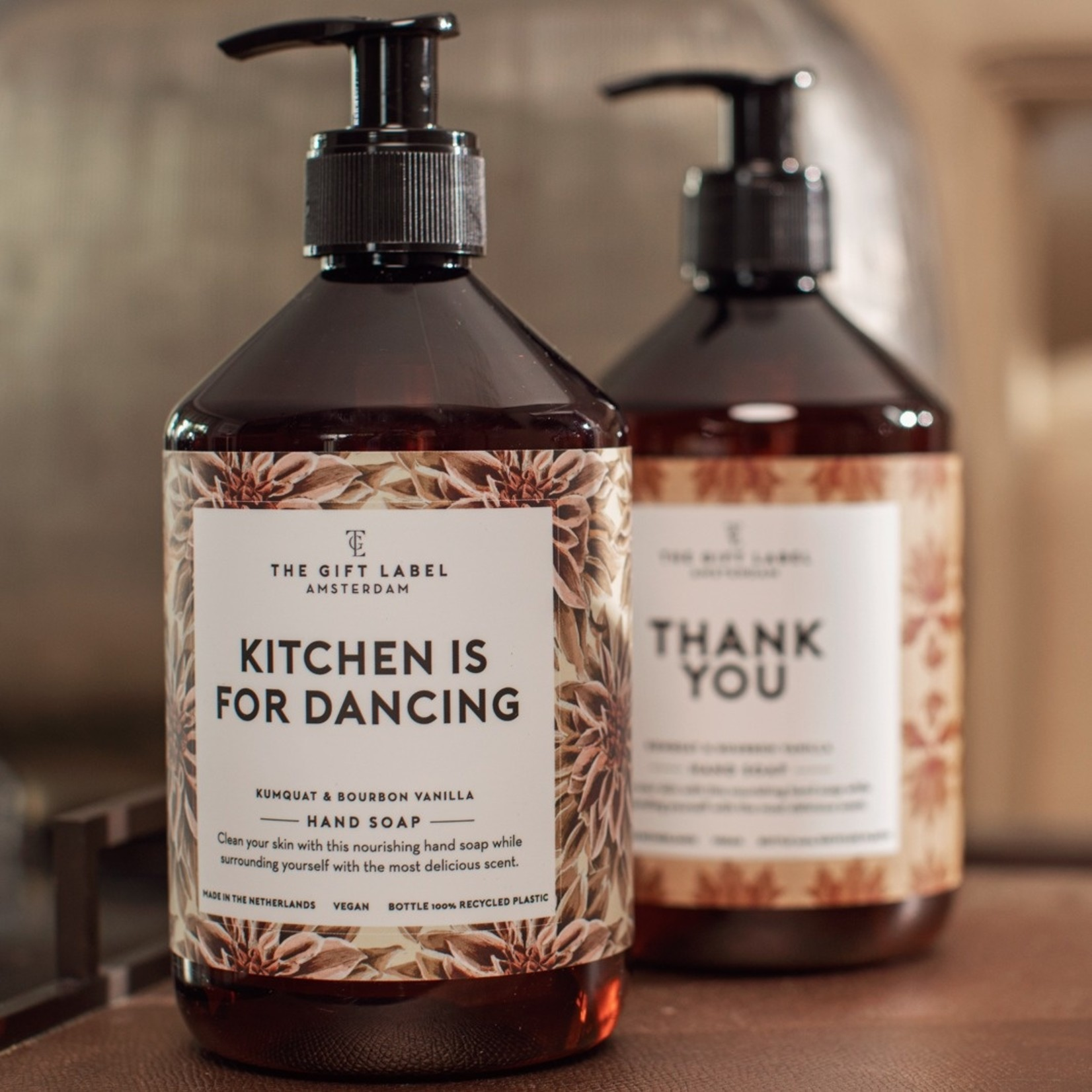 The gift label Handzeep - Kitchen  is for dancing
