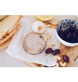 LA CARLETA Veganer Käse Geräucherte Cashewnüsse mit Oliven und Fenchel