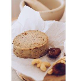 LA CARLETA Veganer halb gereifter Cashew-Käse mit provenzalischen Kräutern und Feigen