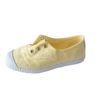 Cienta Cienta : Sneaker New Yellow