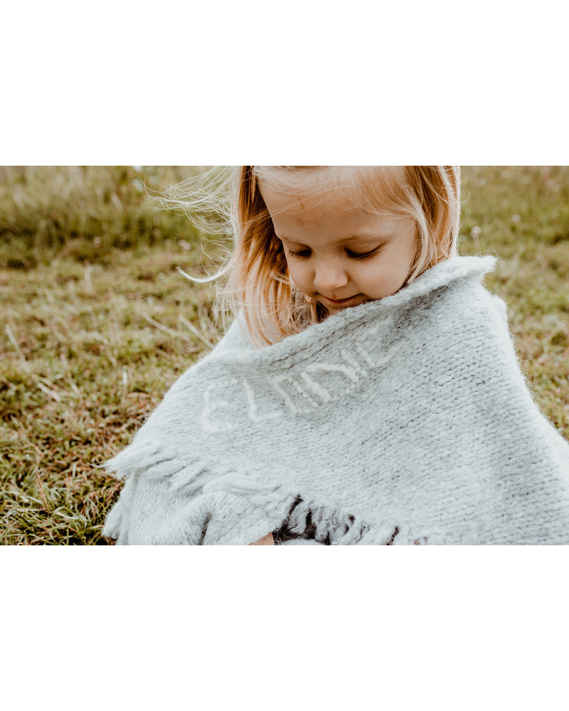 Les Petits Héros Personalized blanket: name counts more than 6 letters  (grey or camel)