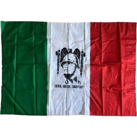 Credere Obbedire Combattere vlag polyester