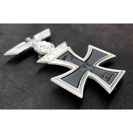 IJzeren kruis en adelaar broche