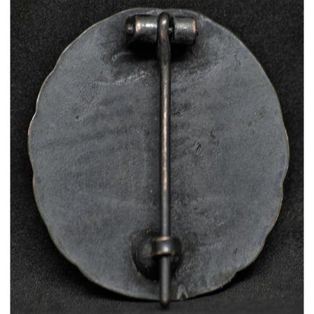Wounded in combatWW1 badge black