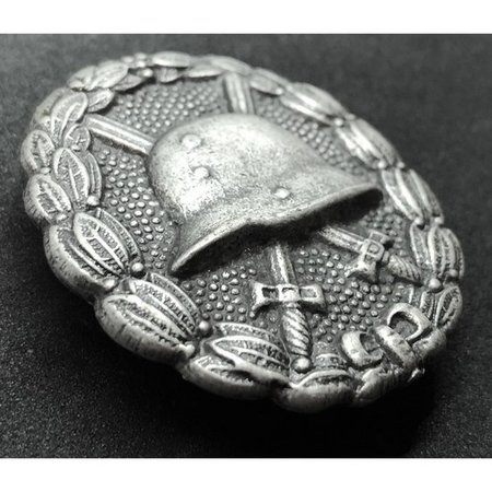 Wounded in combat WW1 badge silver