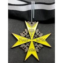 Pour le Mérite medal yellow