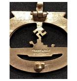 U-boot badge goud