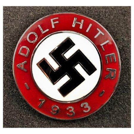 Adolf Hitler 1933 badge
