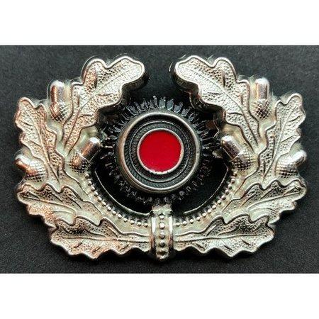 Oak leaves wreath cap badge