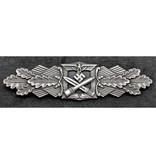 Close combat borstbadge zilver