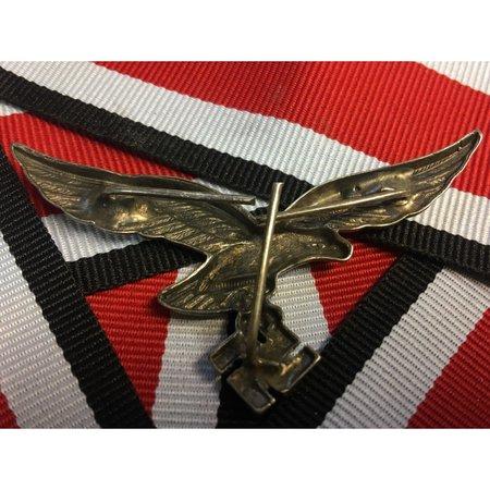 DAK metalen helm badge