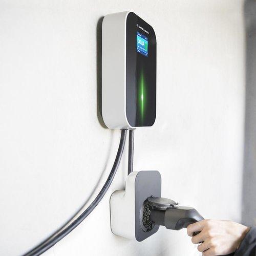 Besen Besen 11 kW   fase 3 - 16A   type 2 socket   laadpaal