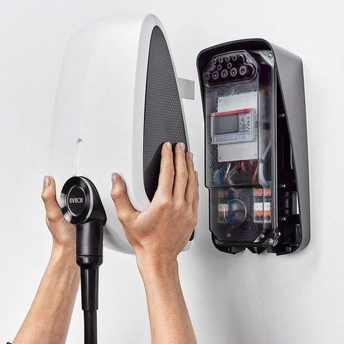 EVBox EVBox Elvi 11 kW | Adjustable power between 3.7 and 11 kW | 16A - 32A | type 2 | (RFID + WLAN+ UMTS + kWh meter)