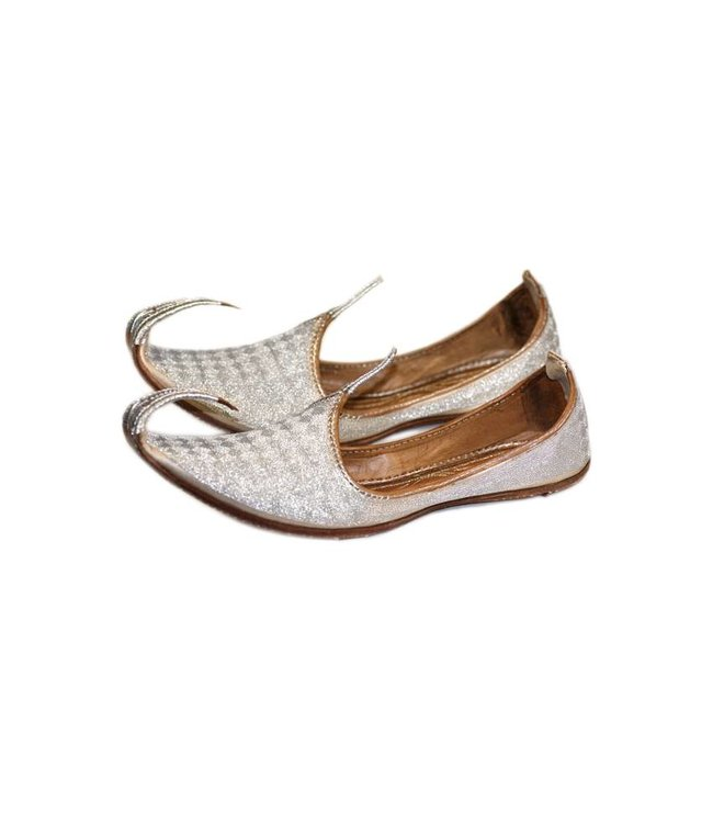 Indian beak shoes - Men Khussa in Silver