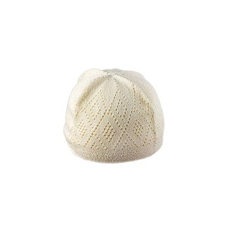 Cream-colored crocheted cap / one size