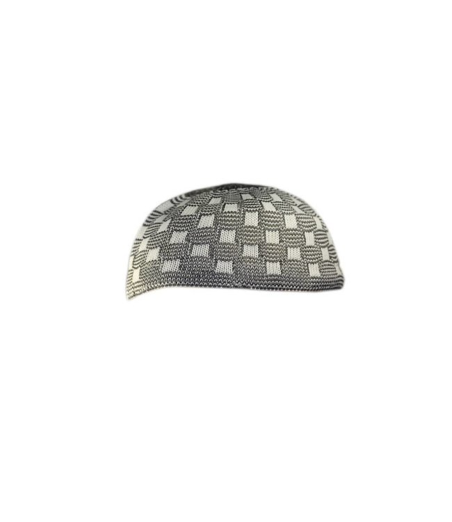 Patterned crocheted cap / one size