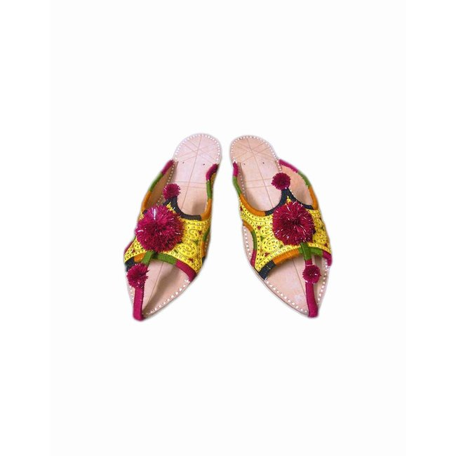 Slip-On shoes with bobbles - Yellow
