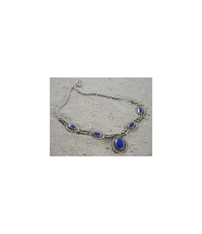 Tribal necklace with oval pendant lapis lazuli