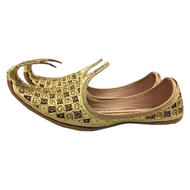official photos c502b aa072 Orientalische Schnabelschuhe - Khussa Schuhe In Gold-Rot