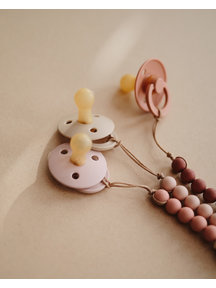 Mushie Pacifier chain - Cleo red/wood