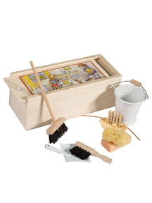 Redecker Doll's house sweeping set - white