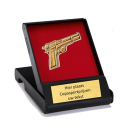 Doosje met metalen inleg pistool