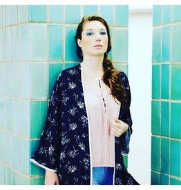 Louisa Jade Kimono Louisa Jade, bleu à motif blanc
