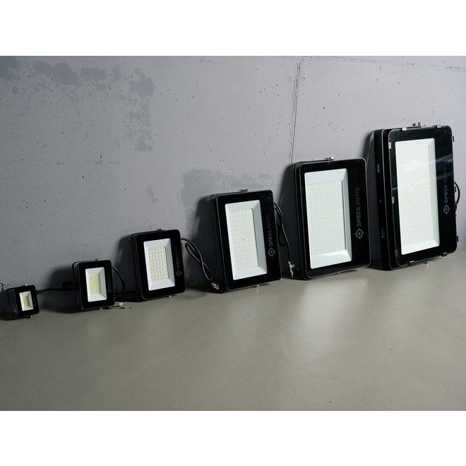 30W LED Bouwlamp Zwart - 3000 Lumen - 6000K - Waterdicht IP65 - 5 jaar garantie