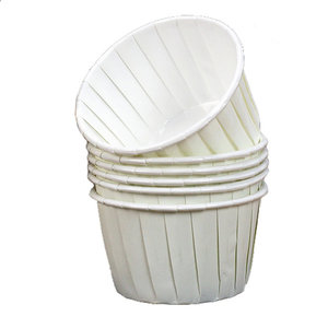 Baking cups ivory/white (12 pieces)