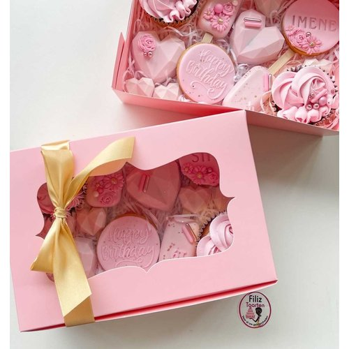 Pink box for 6 cupcakes (per 10 pieces)