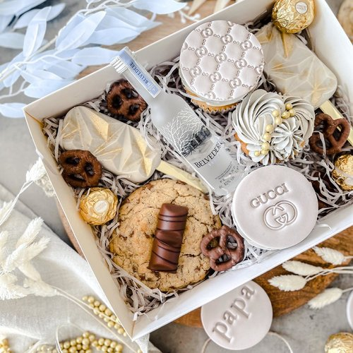 Perfect packaging for you Father's Day bakes!