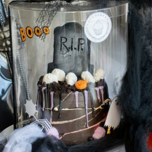 Find the perfect packaging for your spooky Halloween bakes!