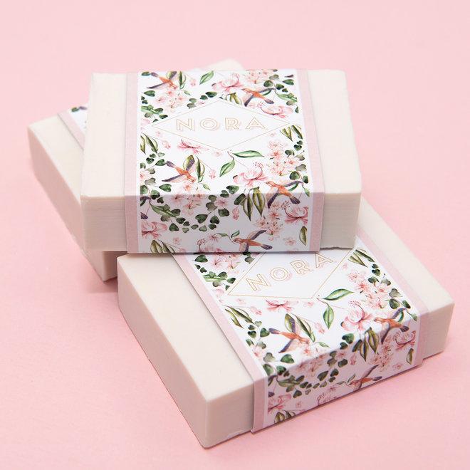 Blokje witte zeep met wikkel