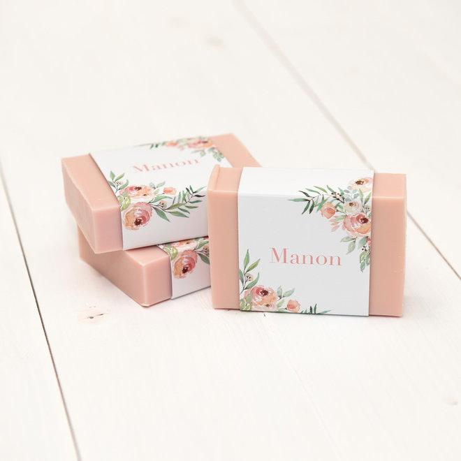 Blokje roze zeep met wikkel