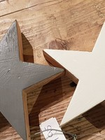 IB LAURSEN Houten sterren aan ijzerdraad