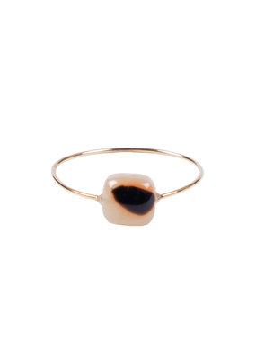 ZUSSS ring met vierkante steen ecru