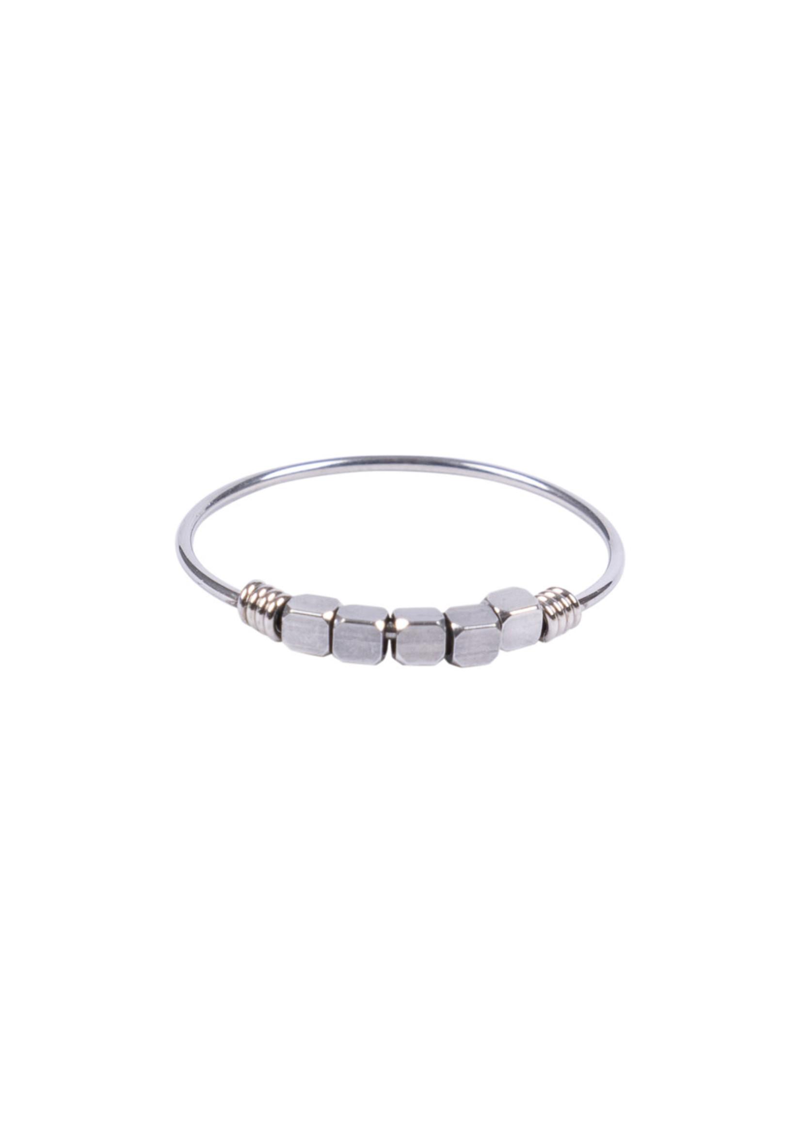 ZUSSS ring Metaal kraaltjes zilver