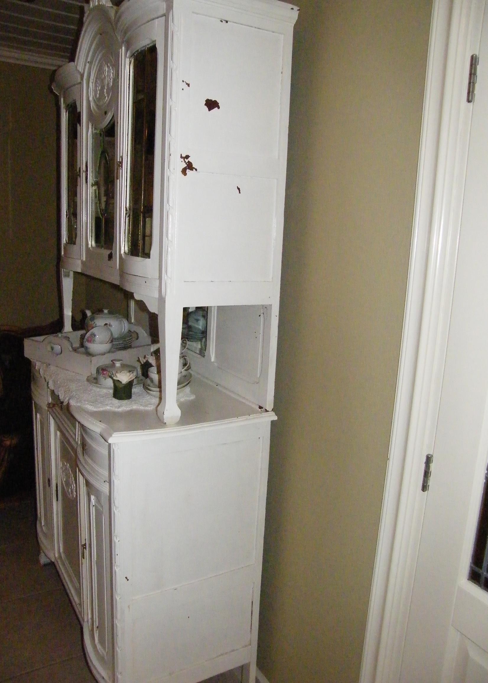mooie oude spiegelbuffetkast