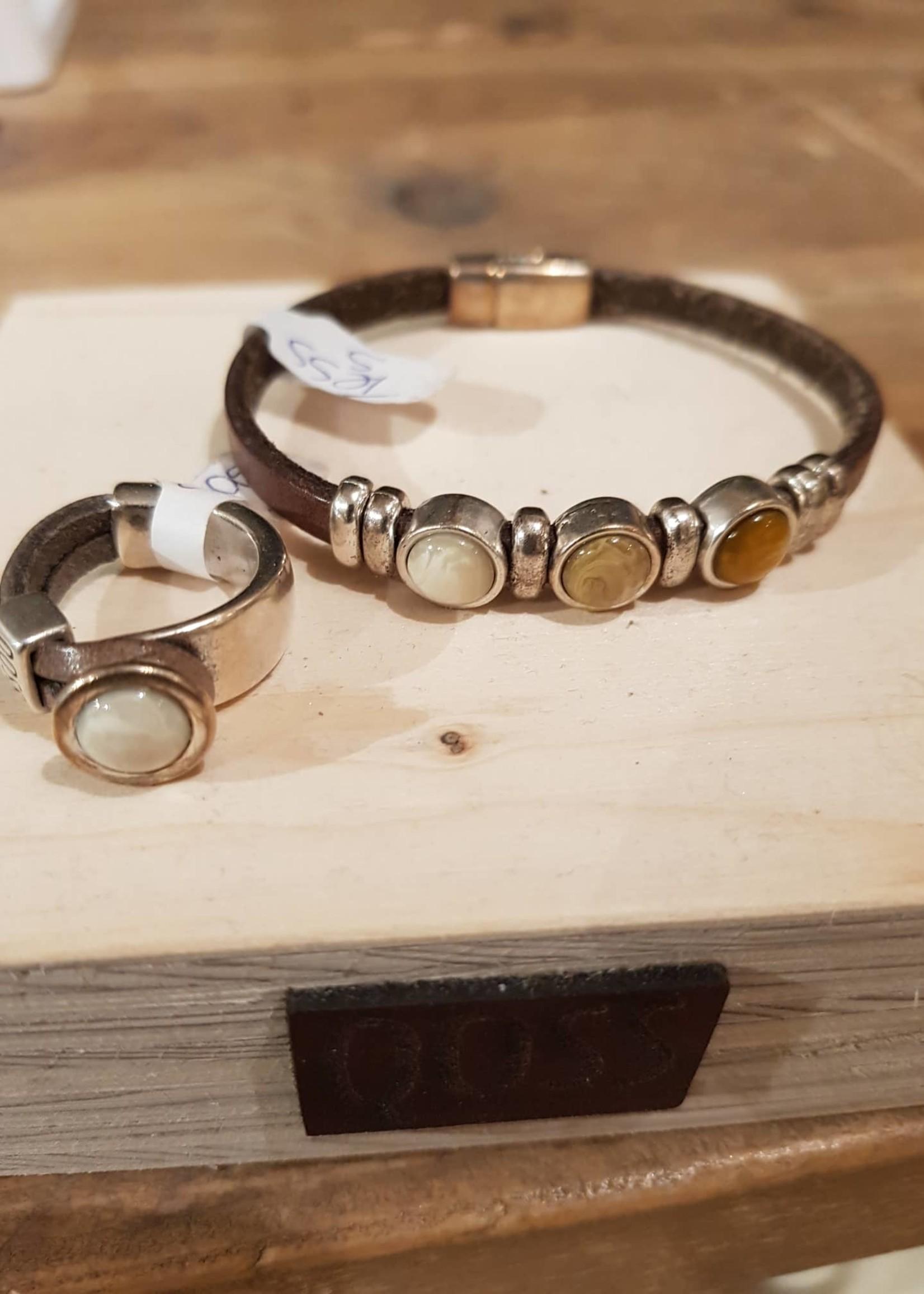 QOSS Gwen ring Taupe - creme bol