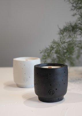 ZUSSS Buitengeurkaars met houten lont kleur zwart