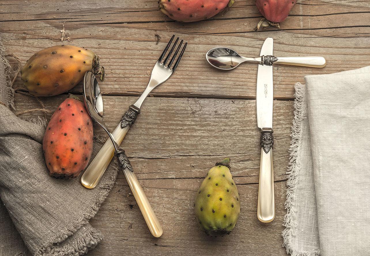 Bestek is de finishing touch voor elke gedekte tafel